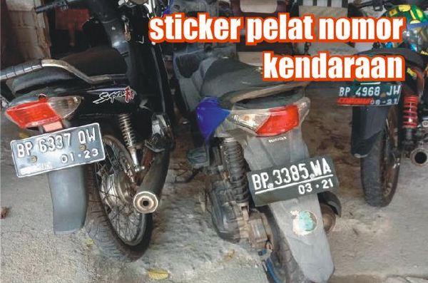 sticker pelat nomor kendaraan