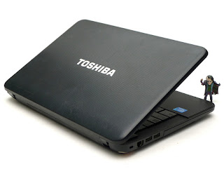 Laptop Toshiba Satellite C800 Bekas