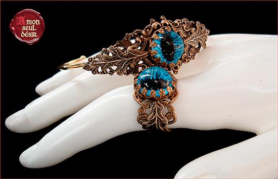 parure bijoux oeil dragon chat serpent yeux bleu mordor tolkien sauron halloween bijouterie clairvoyance troisième oeil gothique goth