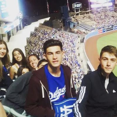 tabara grup engleza Los Angeles