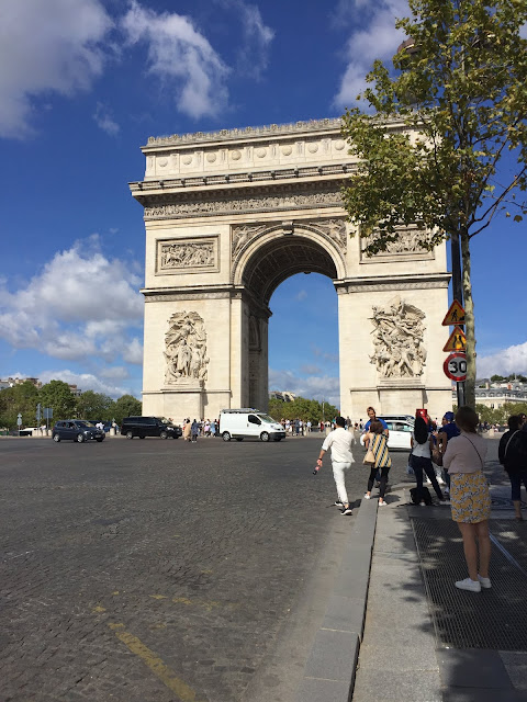 Arch de Triumph in Paris