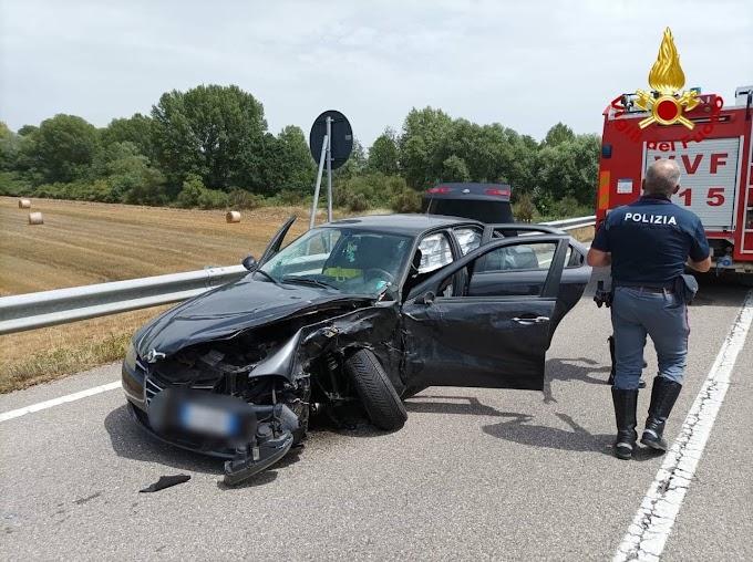 Incidente stradale sulla 598: coinvolti due auto e un camion