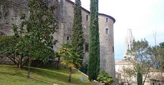 Girona, de camino a las murallas.