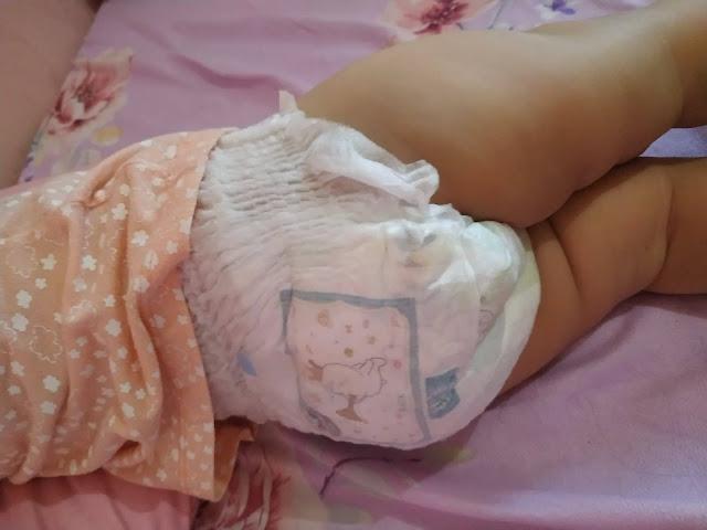 mamypoko pants extra dry unisex back fitment
