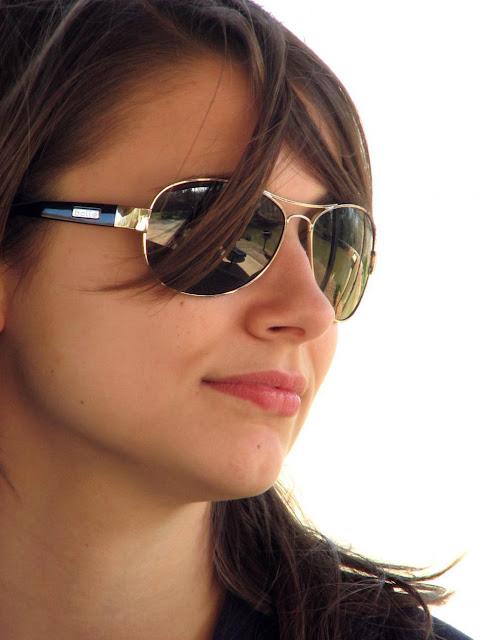gorgeous gals pics download wallaper