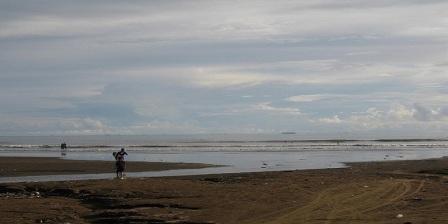 Pengen Melihat Keberadaan Batu Malin Kundang, Bisa Liburan di Pantai Aie Manih