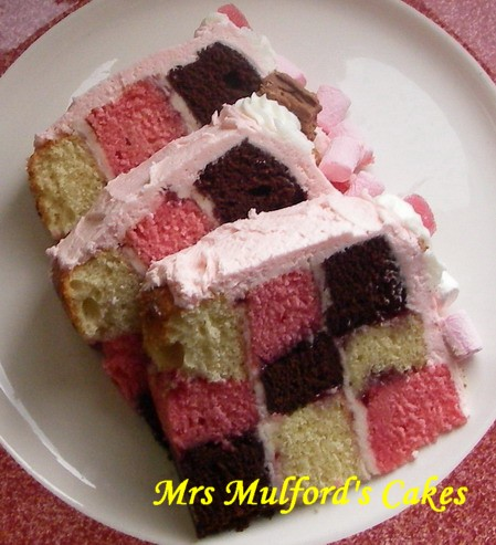 How Do You Make A Checkerboard Cake