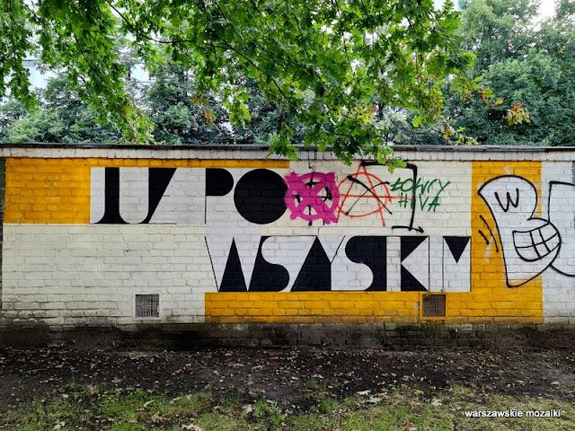 Żoligaraż miasto krzepi mural Warszawa Warsaw streetart Żoliborz Sady Żoliborskie murale warszawskie streetart garaż