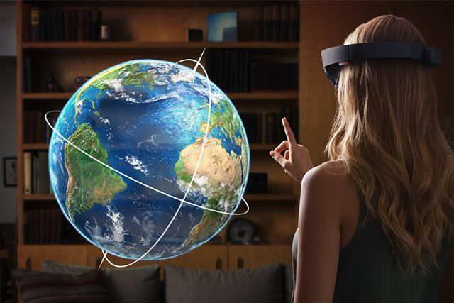 Microsoft-HoloLens-17134