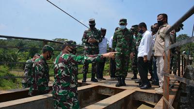 Aster Panglima Kunjungi Dua Jembatan Hasil Karya Bhakti TNI di Lebak