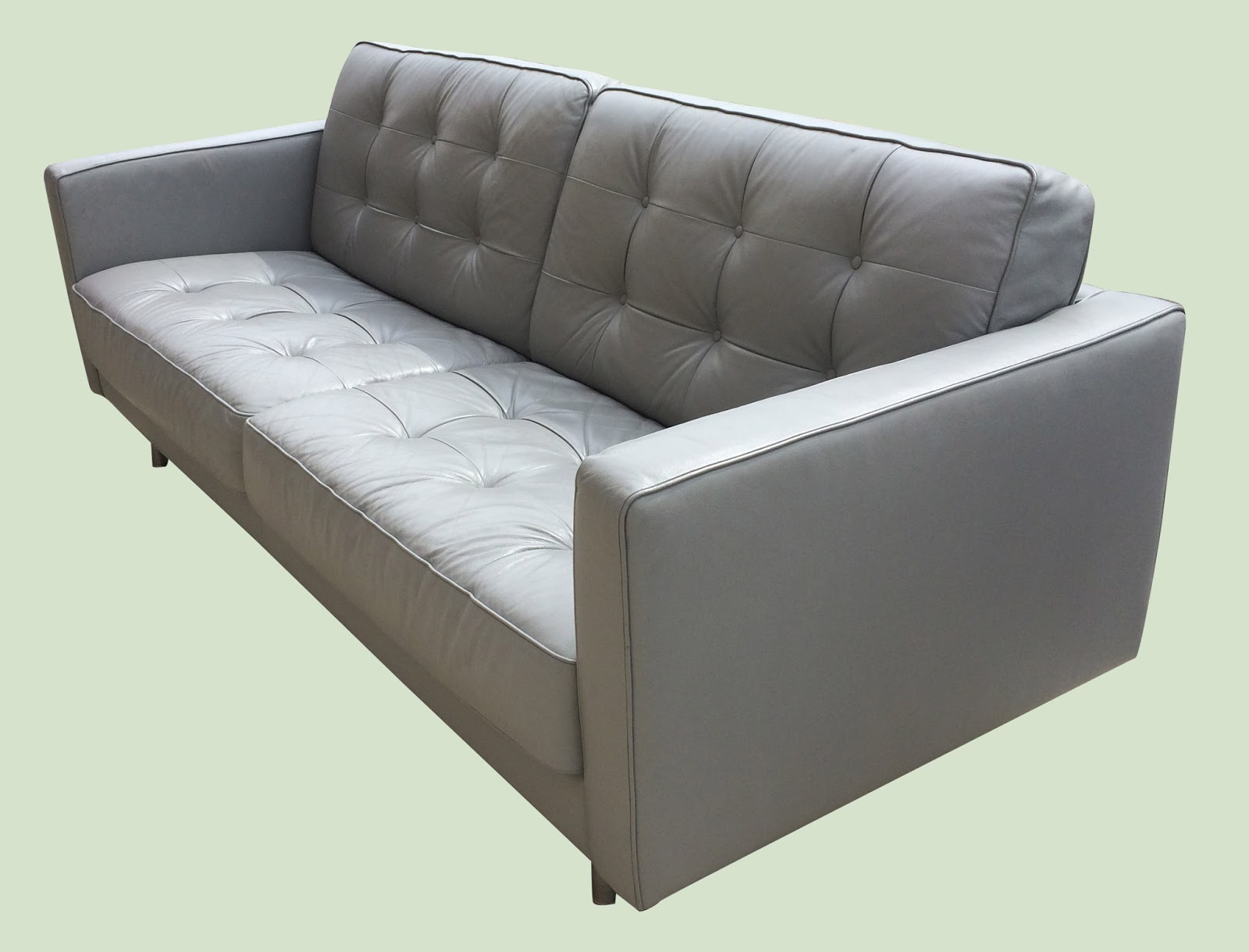 Uhuru furniture collectibles tufted light gray leather for Light gray leather sofa