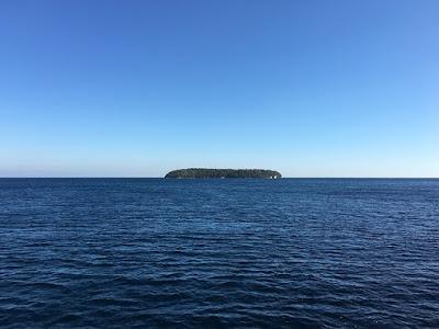 4 Pulau Kecil Dengan Sejarah Uniknya