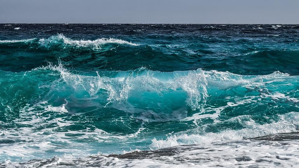 Penyebab Pasang Surut Air Laut