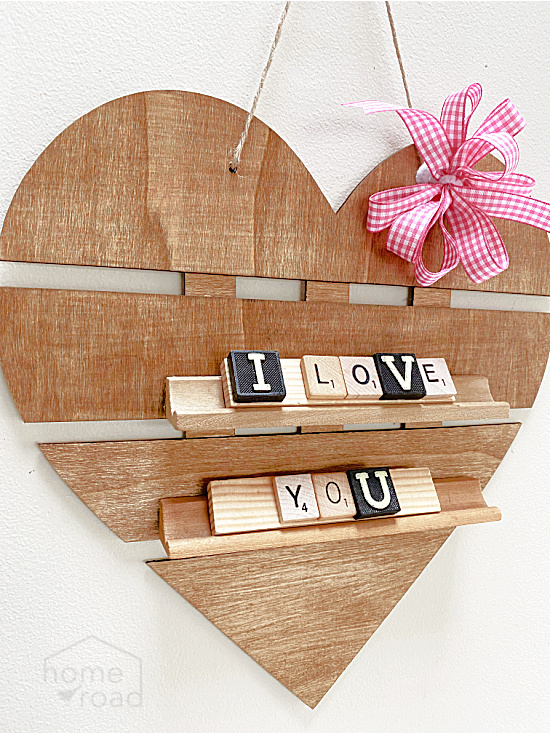 Hanging heart with I LOVE YOU letters
