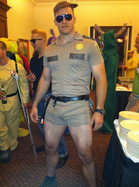 Reno 911 Costume Ideas
