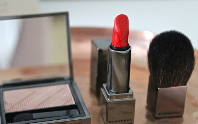 Burberry Lips Burberry Kisses in Military Red Lipstick