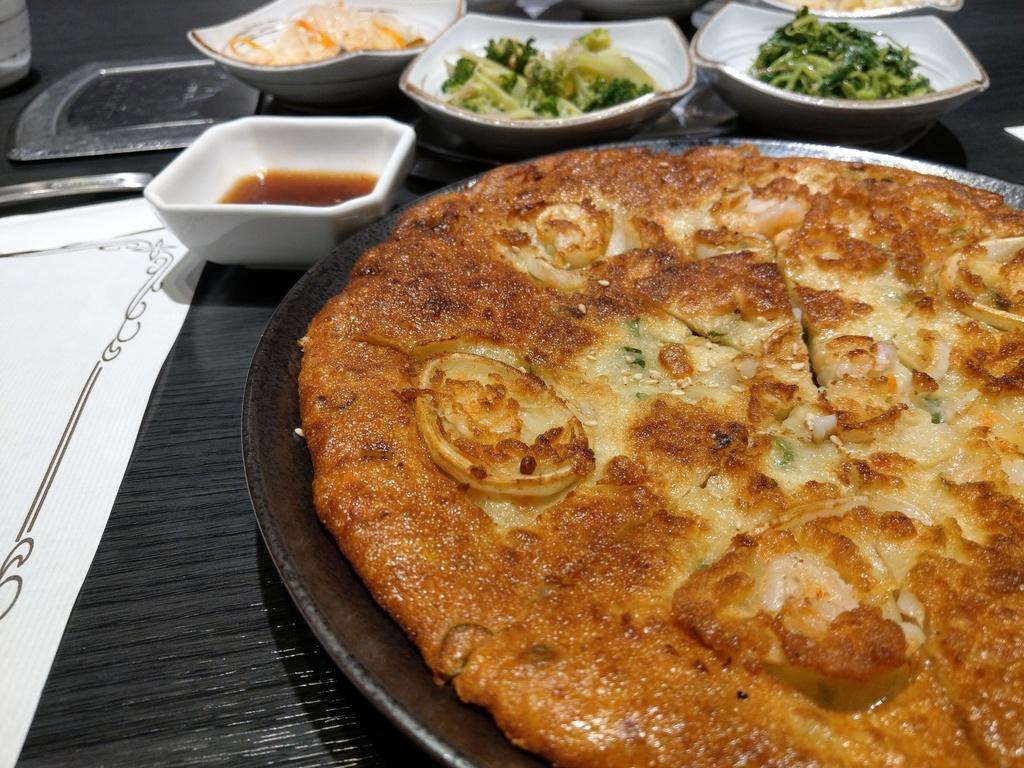 東湖聚餐美食/今天吃什麼 오늘뭐먹지/六樣小菜一直續的韓式料理