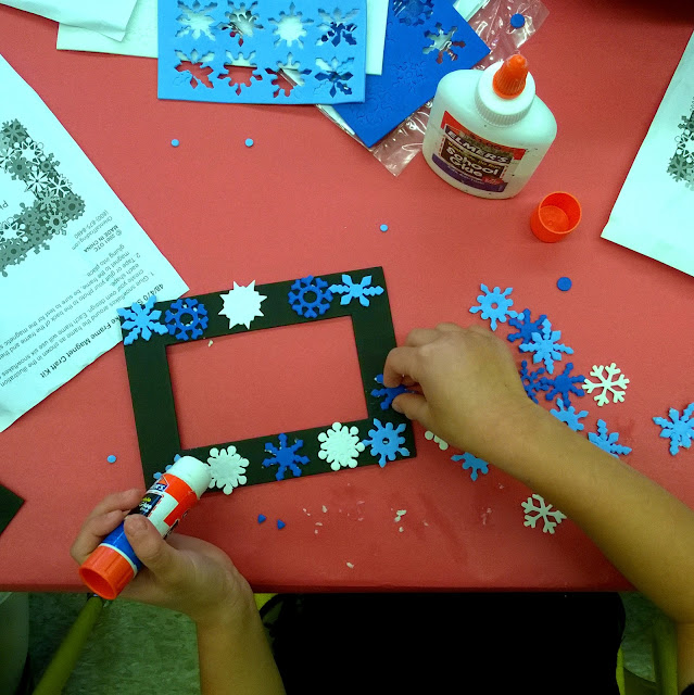 diy snowflake frame