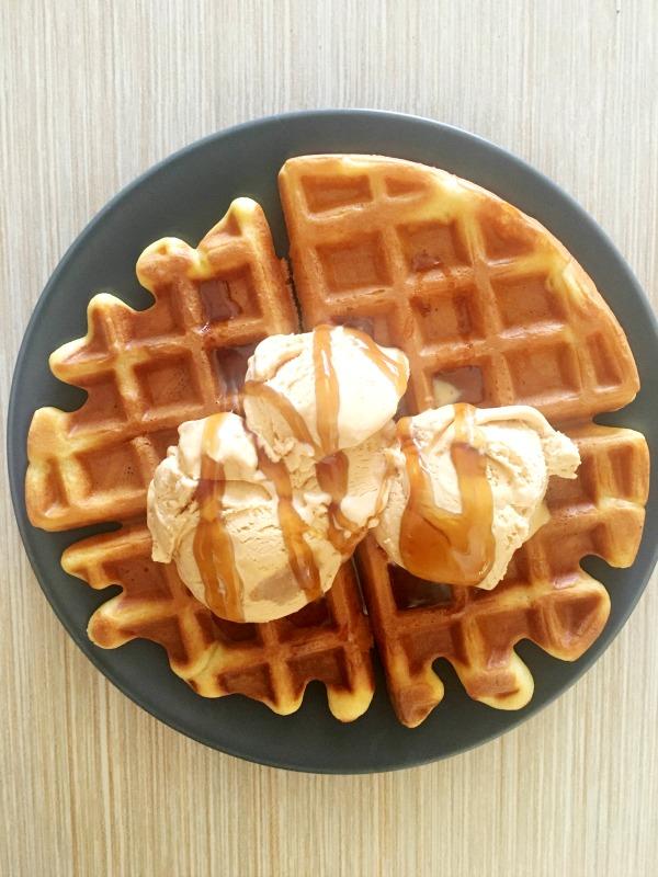 2-Ingredient Caramel Ice Cream Recipe - Ioanna's Notebook