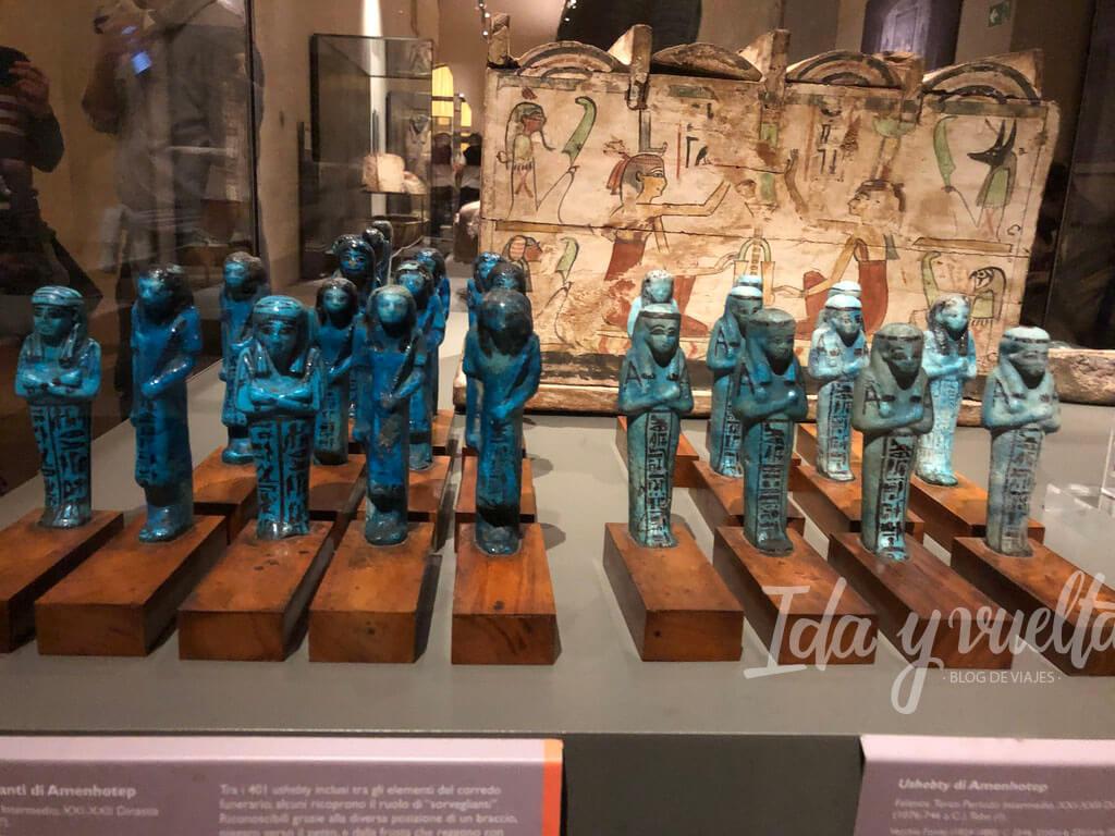 Museo Egipcio de Turín figurillas funerarias en formación