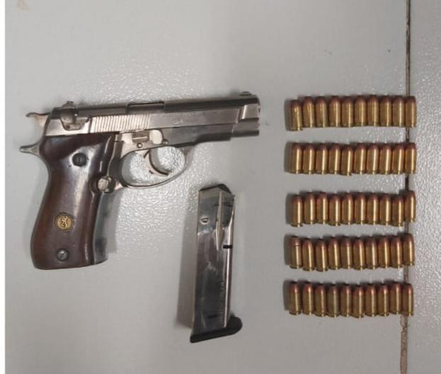 Aseguran SSP y GN a uno en posesión de arma de fuego y droga