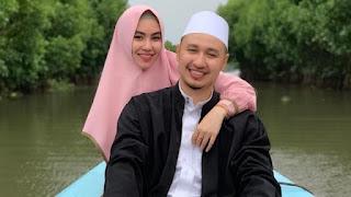Ada Pindah Agama Sebelum Nikah, Kisah 5 Seleb Cantik Menikahi Duda