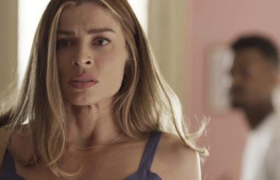 Paloma (Grazi Massafera) conversa com Ramon (David Junior) em 'Bom Sucesso' — Foto: TV Globo