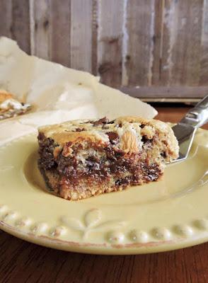 http://www.justjessieb.com/2015/12/ooey-gooey-almond-joy-cookie-bars-paleo.html