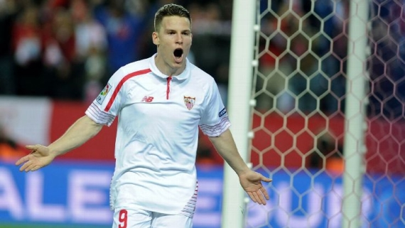 Kevin Gameiro celebrates after scoring.