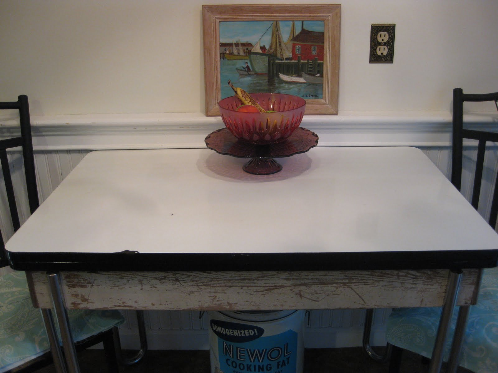 Madame of the Manor: Enamel Kitchen Table