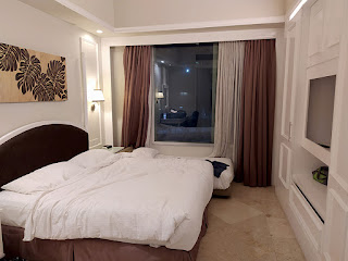 King Bed 1