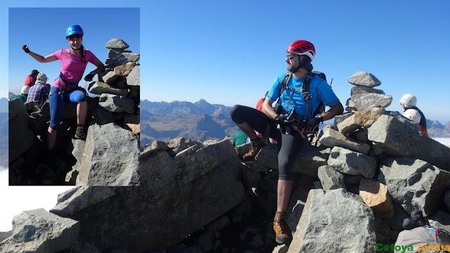 Disfrutando en la cima del Midi d'Ossau