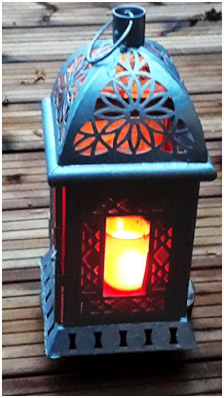 Tulos maalauksen jälkeen: joka puolelta kaunis kynttilälyhty - kuin uutuuden päivinään...