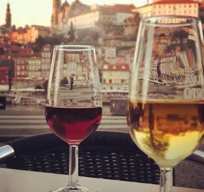copos de vinho do Porto