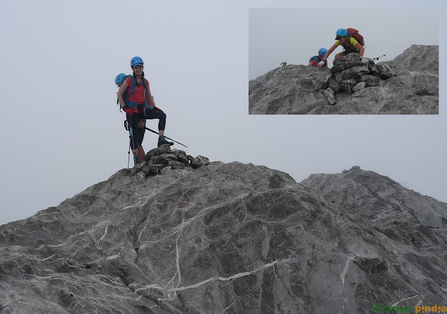 En la cima del Pico Cotalba entre la niebla