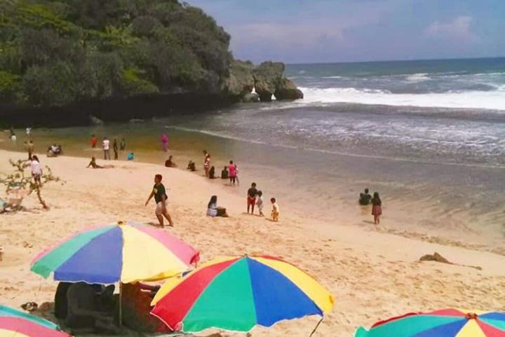 Pantai Nguyahan Gunung Kidul Jogja Tiket Masuk Dan Lokasi