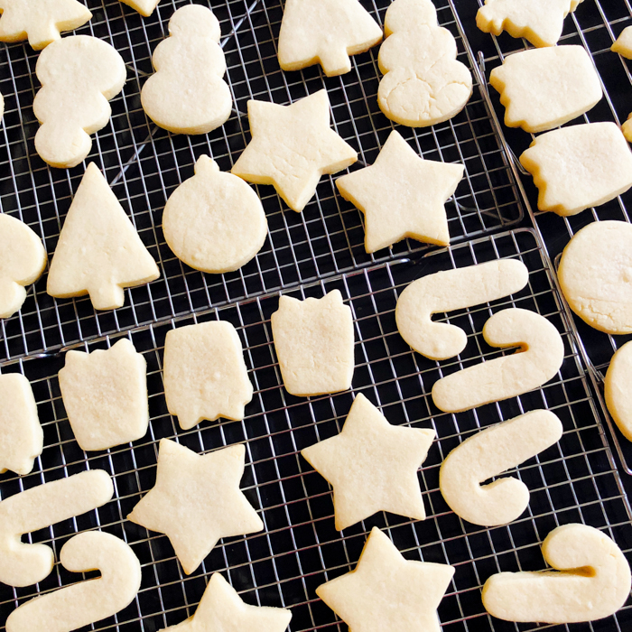The Perfect Recipes for Decorating Christmas Cookies, from Bake at 350   bakeat350.net