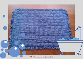 How to Make a Bath Mat with Ruffles out of Old T-shirts