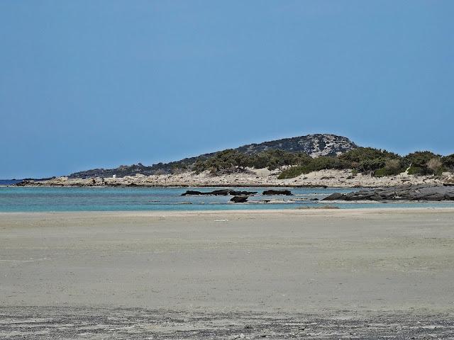 różowy piasek na Elaffonisi Kreta