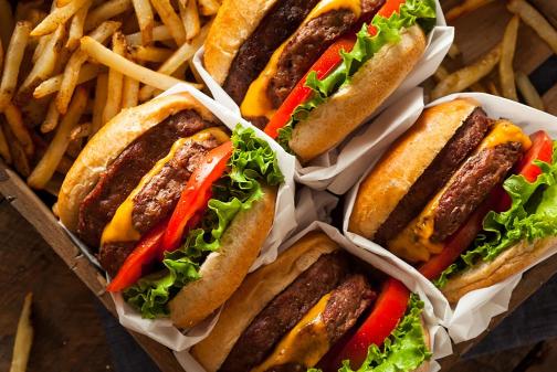 Cara yang Benar Menyantap Makanan Cepat Saji Agar Menyehatkan Untuk Tubuh