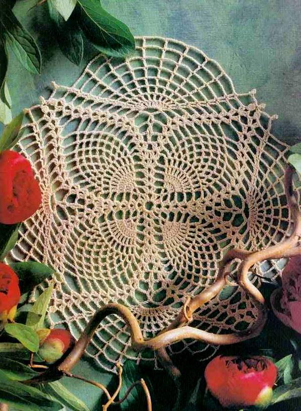 Crochet Doily With Easy Crochet Pattern - Easy Pineapple Doily