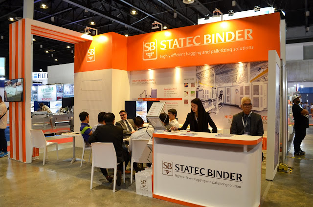 Statec Binder exhibit booth