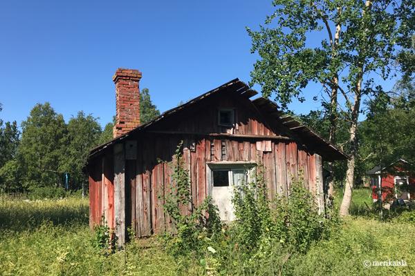 Isokarin majakka, luotsintorppa