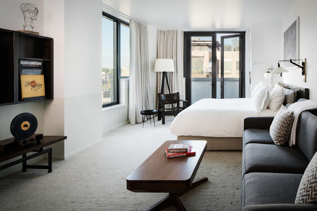 Halcyon is the ultimate non-hotel situated in the heart of Denver's Cherry Creek North neighborhood. Its154 rooms blur the lines between hotel and gracious home with considered comfort, attention to detail, and an impressive collection of art.