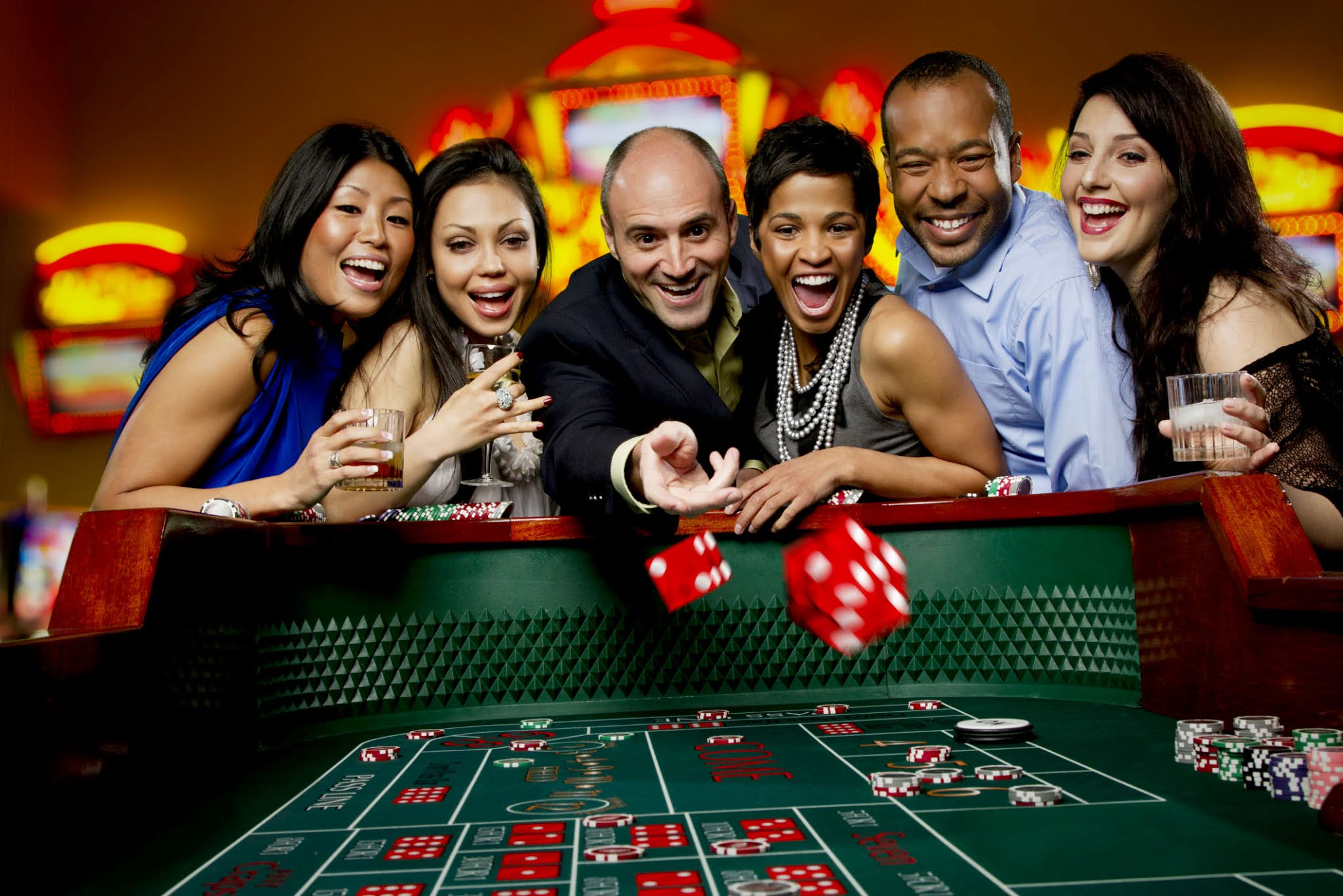 Which games do you like to play with in online casinos?