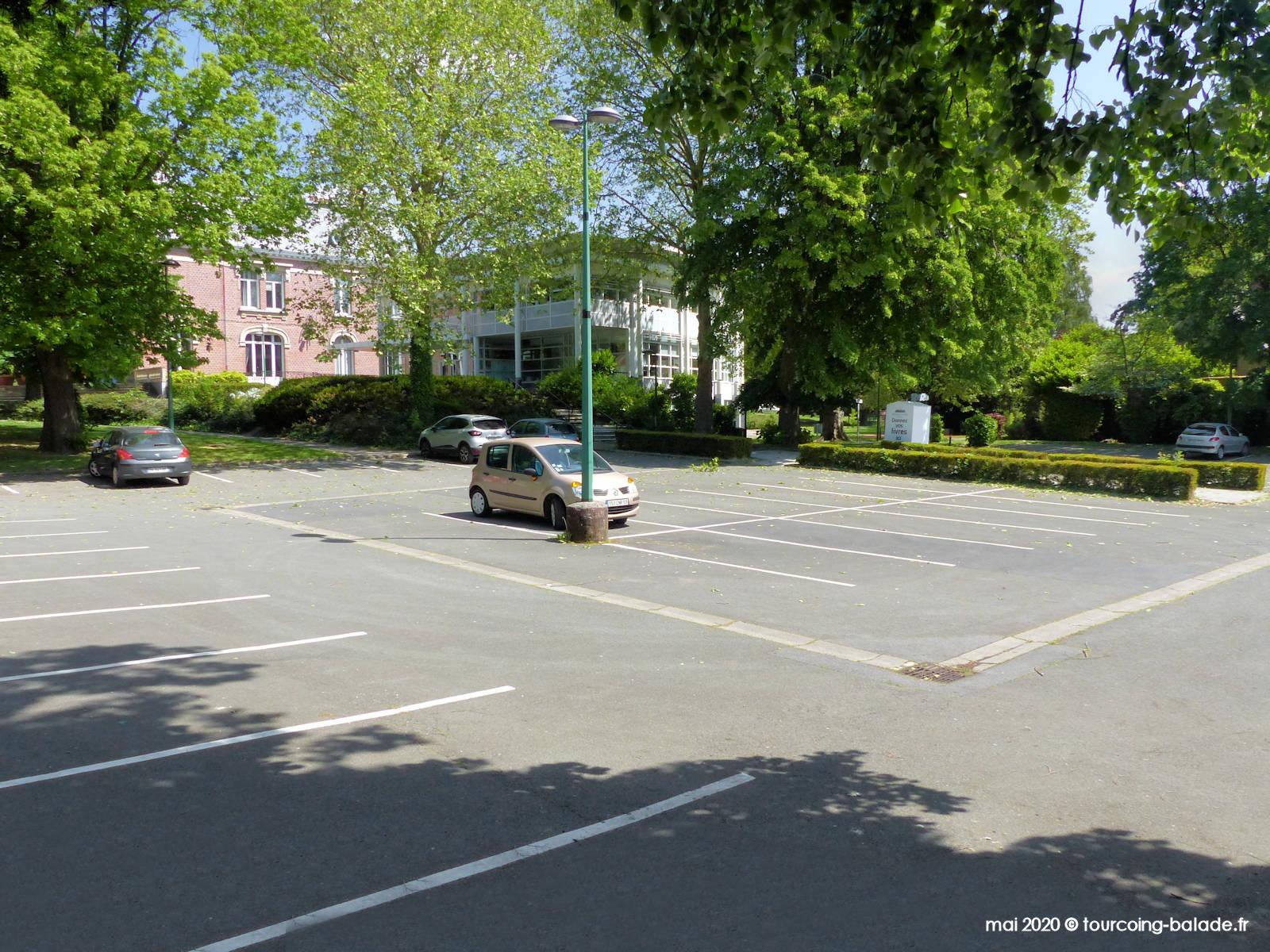 Parking public de la mairie de Mouvaux, 2020