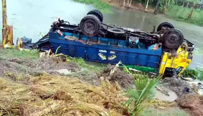 The identities of 13 people killed in a truck overturn in Palashbari have been found
