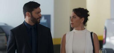 Diogo (Armando Babaioff) e Nana (Fabiula Nascimento) serão surpreendidos com chegada de intrometido