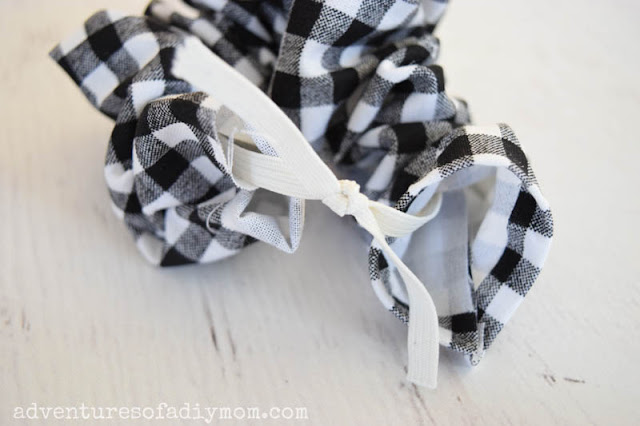 adding elastic to scrunchie