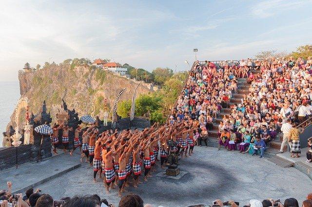 Tari kecak,  9 Tari Bali Dinyatakan Sebagai Warisan Budaya Dunia UNESCO